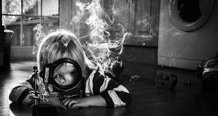 آیا علم چیزی جز یک بازی کودکانه است؟